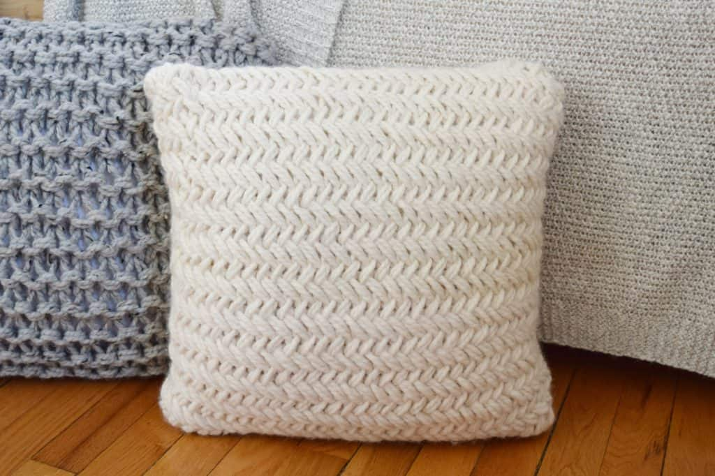 chunky throw pillow set free pattern