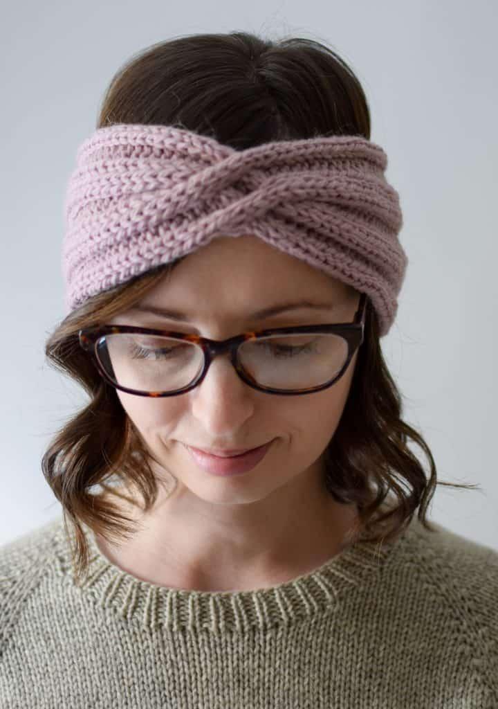 Cable Twist Headband - Knifty Knittings'dan ücretsiz örgü modeli #knitting #knittingpattern #knitheadband